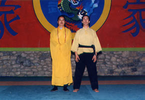 Shi de Yu enseigne pour la 1ère fois en France le Tao du Tigre, 1995.